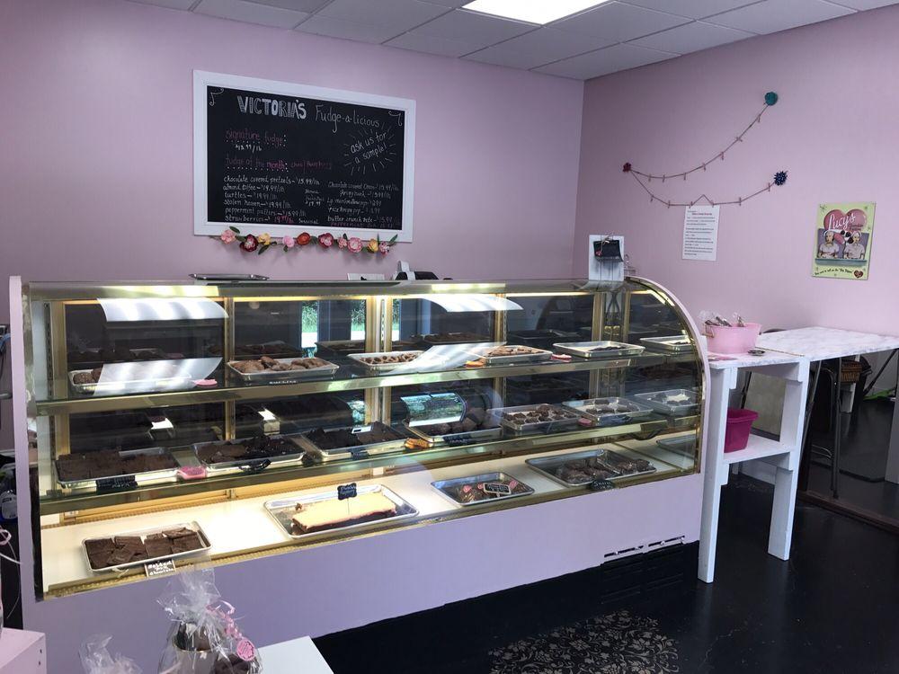 Victoria's Fudge-a-licious: 522 Valley Brook Rd, Venetia, PA