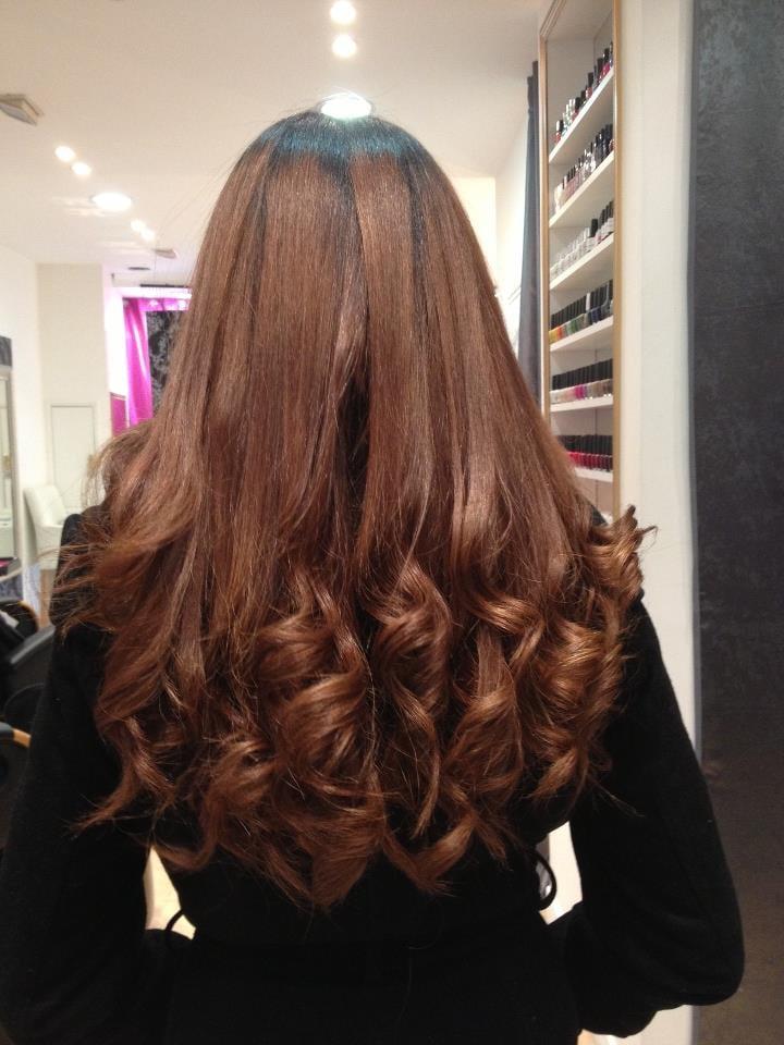 Beaut bazaar hair salons 141 rue st denis etienne for Hair salon paris france