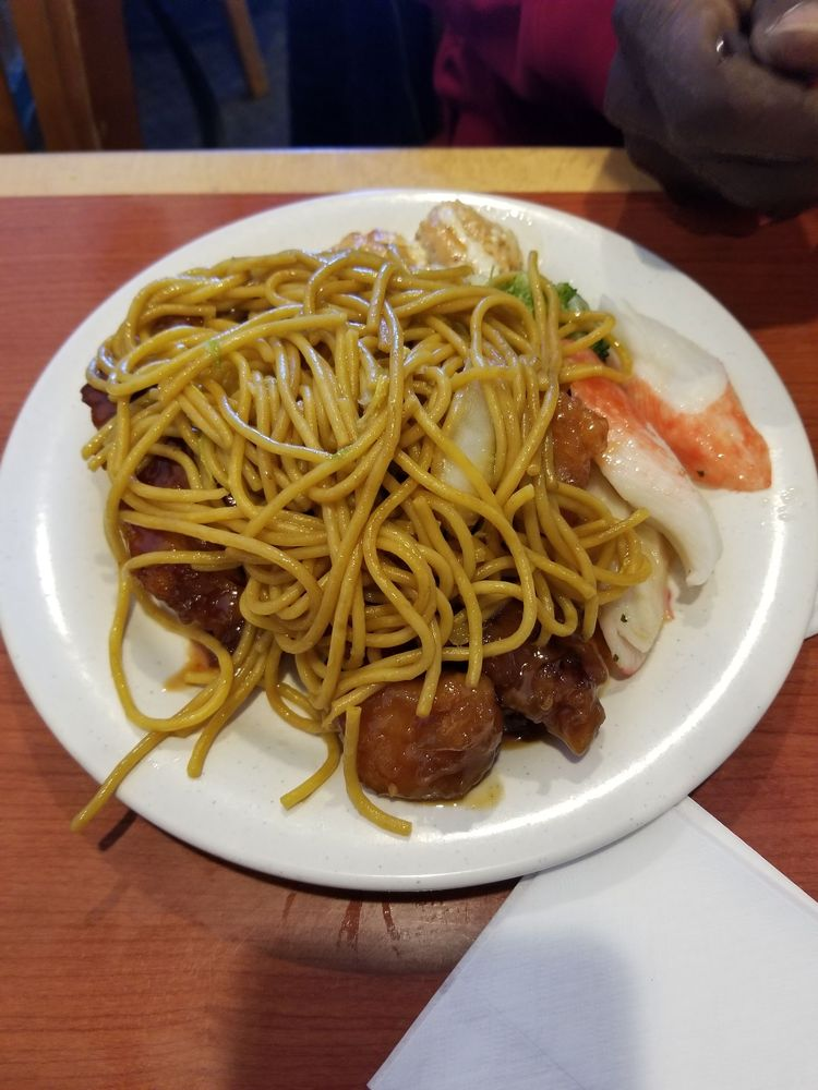 Food from Winn Buffet
