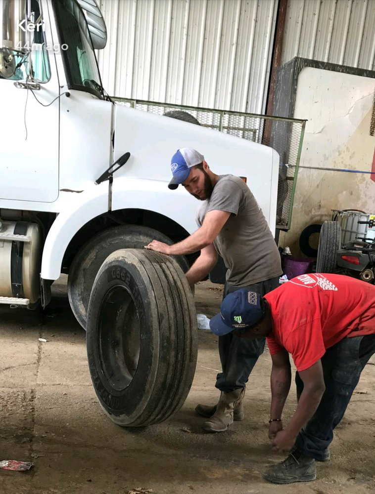 Bartlett Tire & Lube: 614 Hwy 49, Marvell, AR