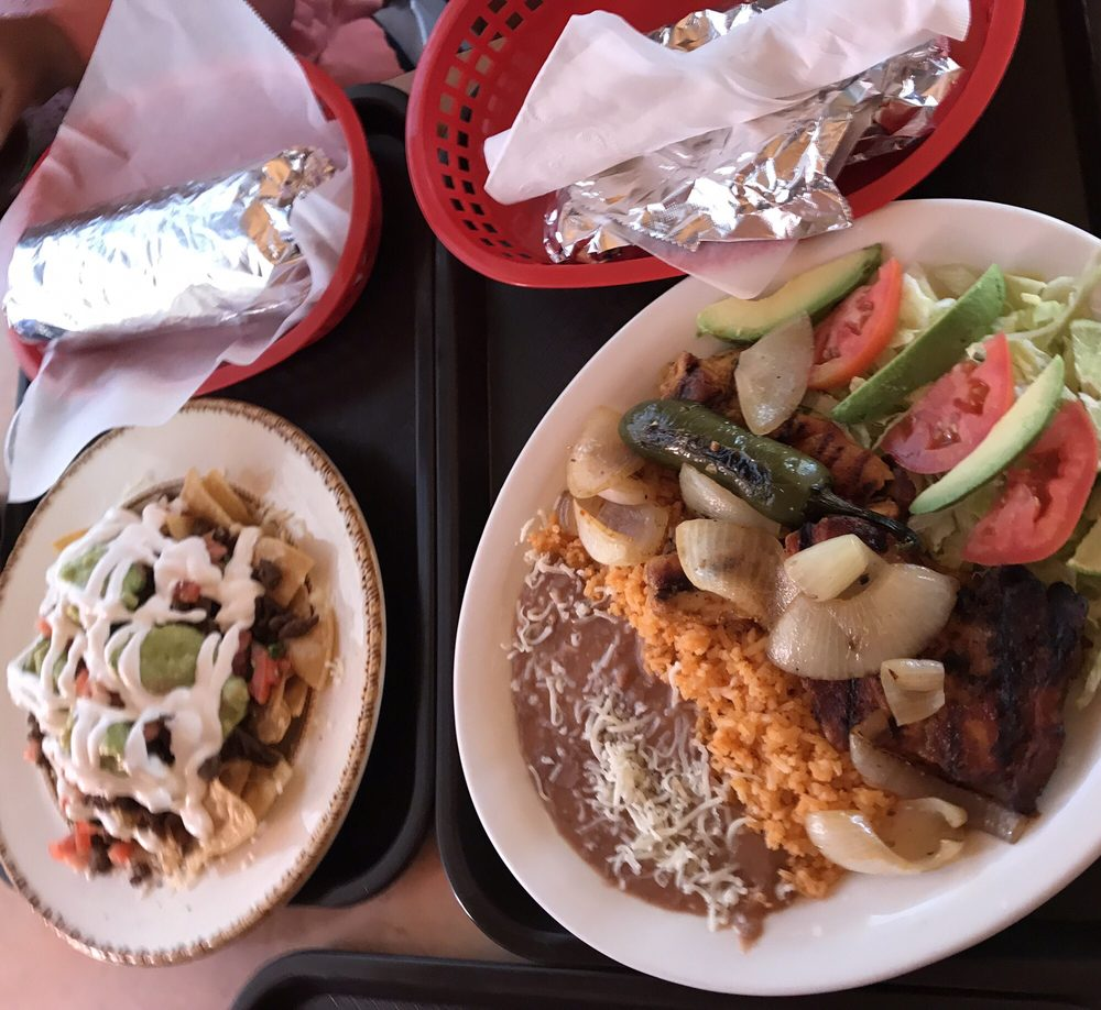 Food from Taqueria Los Arcos