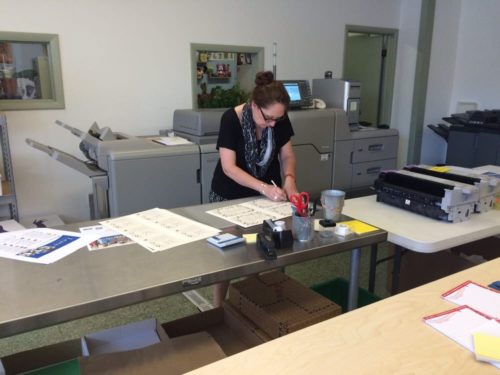 R Design & Printing