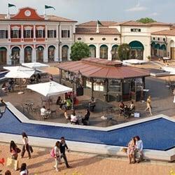 Valditaro Mantova Outlet - Marktstände - Via Marco Biagi 5, Mantua ...