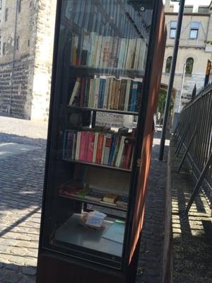 Offene Bücherschränke - Bookshops - Bayenstr. 4, Rheinauhafen ...