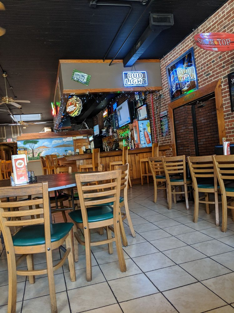 La Piazza Italian Restaurant & Bar: 35 Abbitt St, Roxboro, NC
