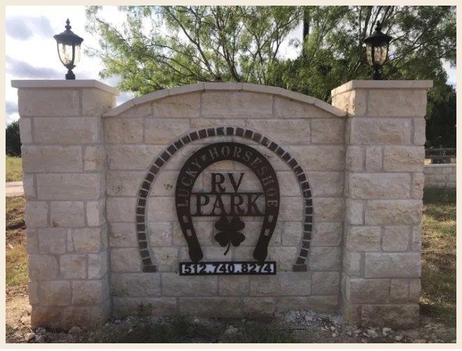Lucky Horseshoe RV Park: 347 Co Rd 268, Bertram, TX