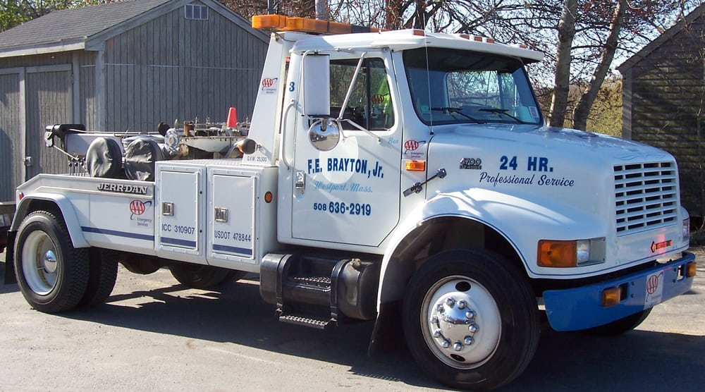Towing business in Westport, MA