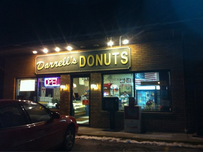 Darrell's Donuts: 1 N Maysville Ave, Zanesville, OH