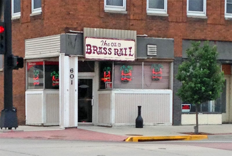 Old Brass Rail: 601 Pearl St, Sioux City, IA