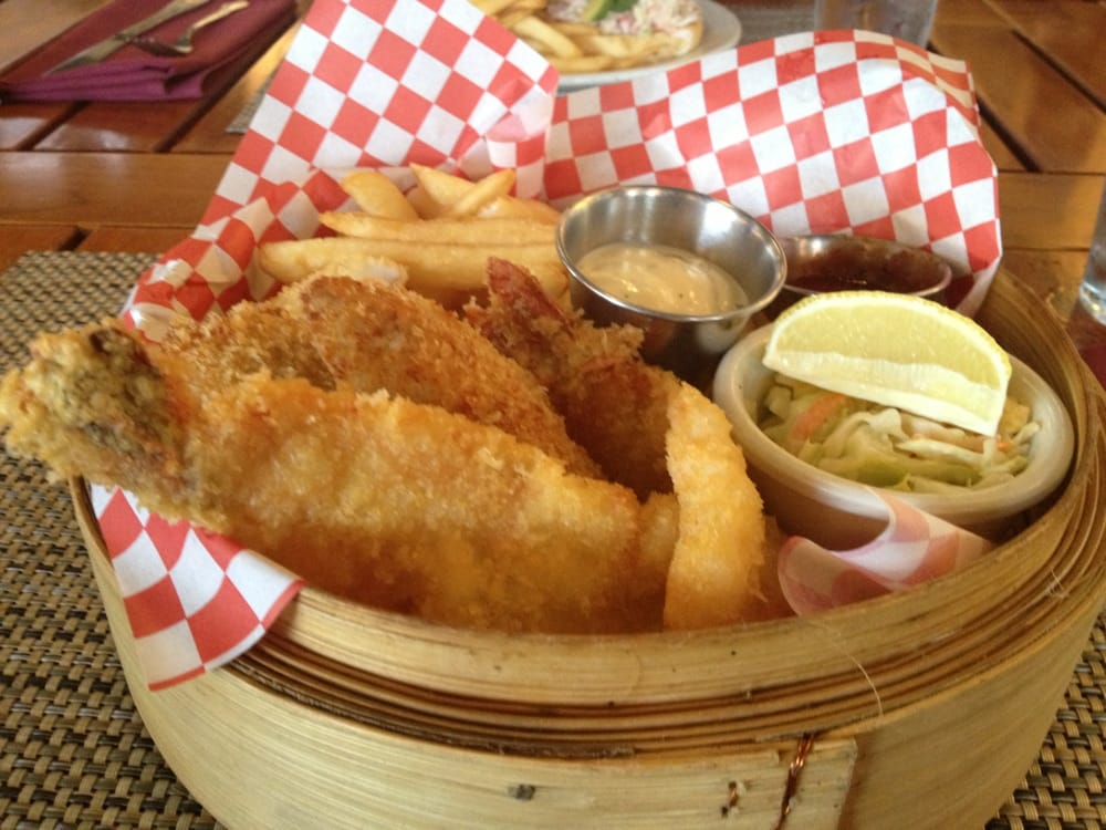 Combo daily fish shrimp calamari and fries yelp for Uncle s fish market and grill