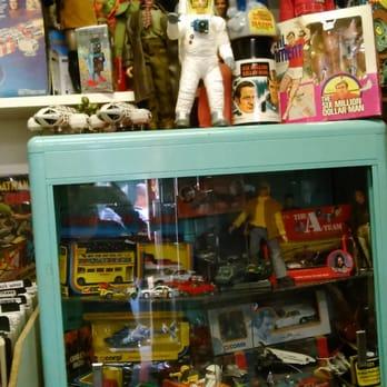 krypton collections ferm 11 photos magasin de jouets 12 rue saulnier strasbourg st. Black Bedroom Furniture Sets. Home Design Ideas