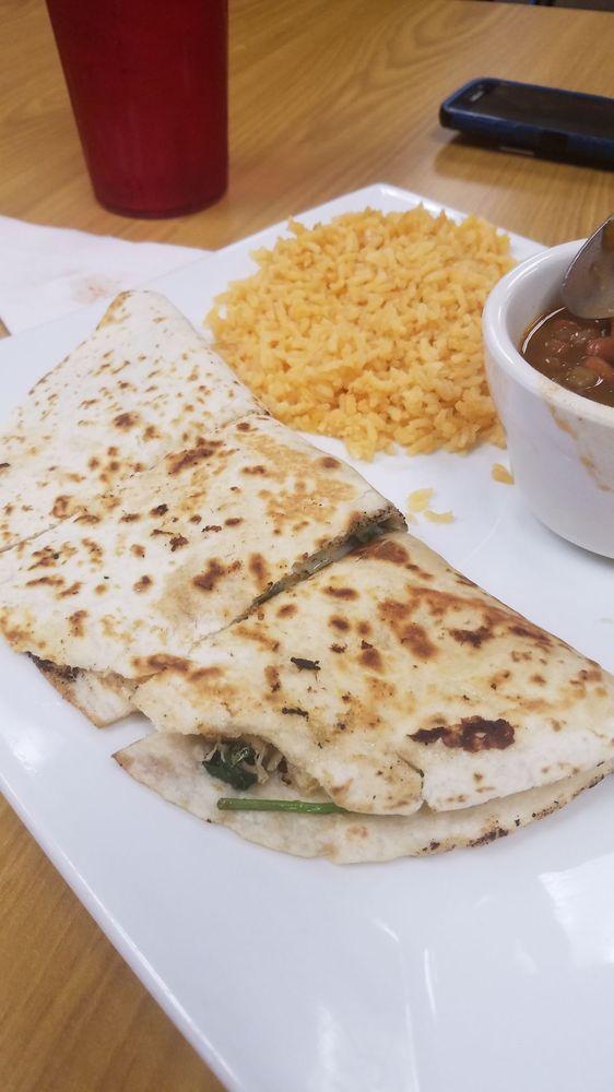 Burrito Mexican Restaurant: 27950 US Hwy 98, Elberta, AL