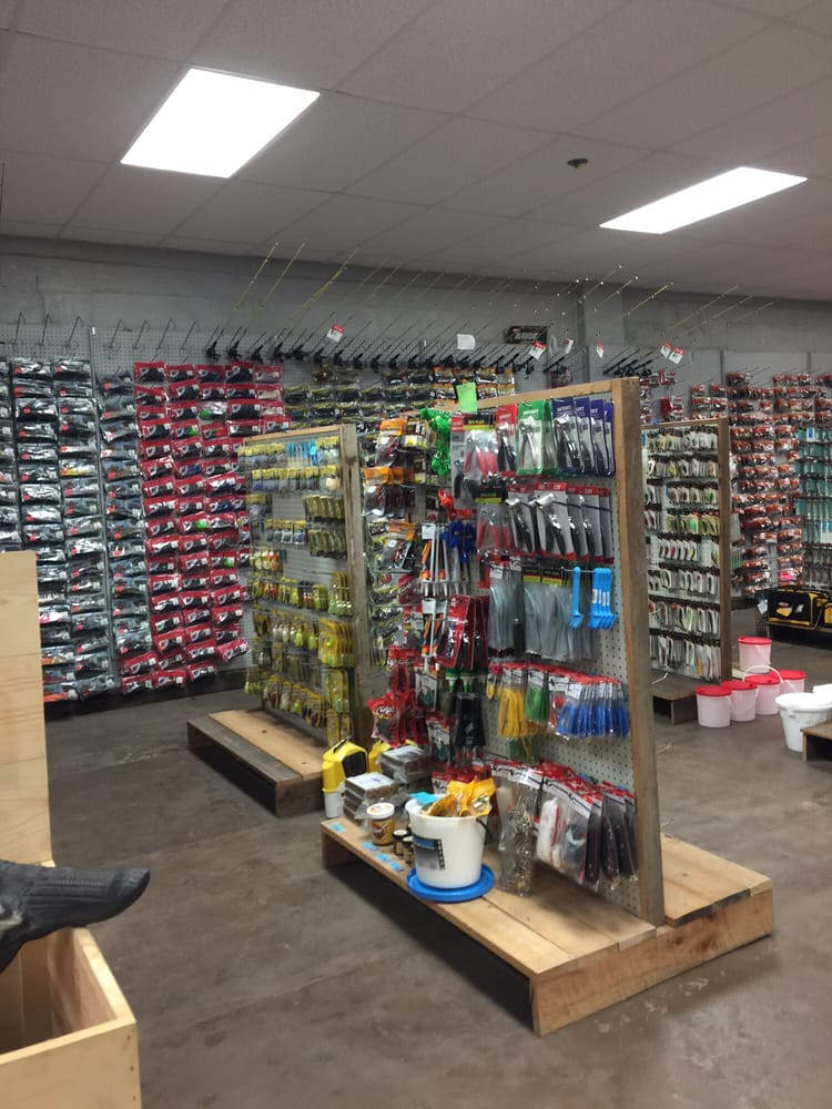 Green's Outdoor& More: 918 N Main St, Trenton, FL