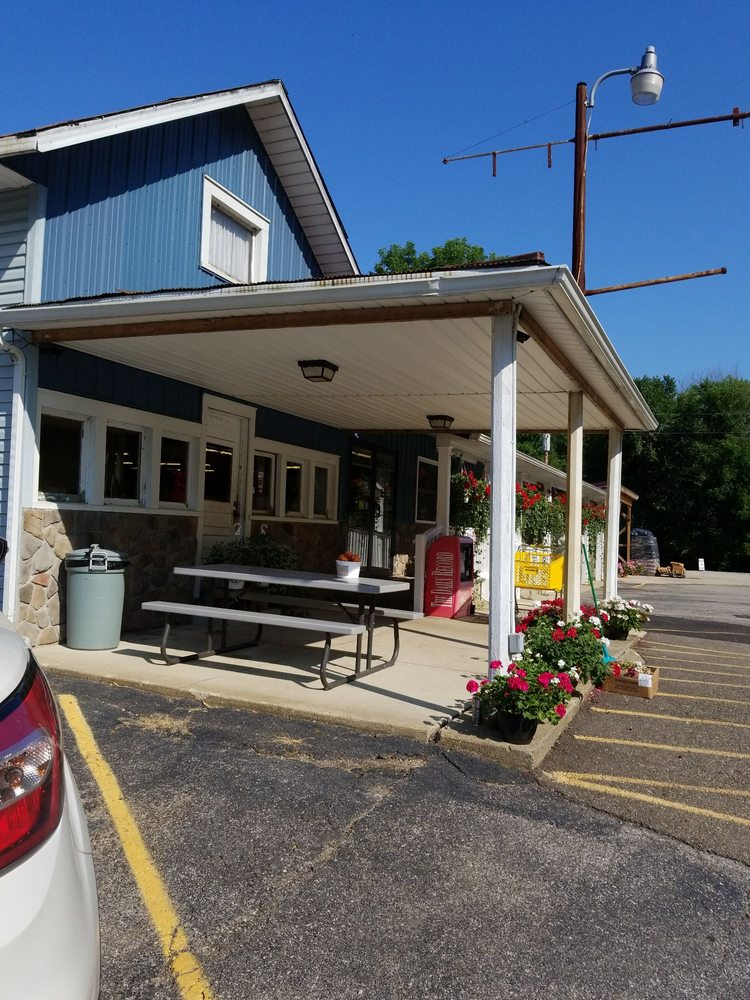 Kaufman's Country Market: 9091 OH-83, Holmesville, OH