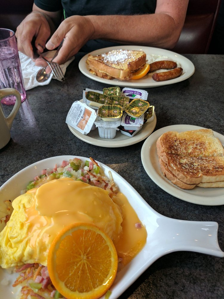 Countryside Restaurant: 7209 Pete Ln NW, Bemidji, MN