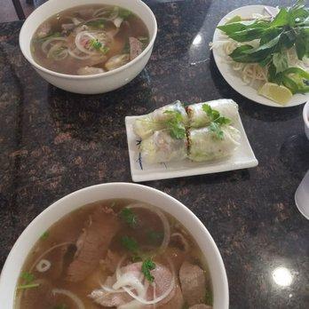 Tan tan cafe delicatessen 301 photos 387 reviews for Authentic thai cuisine portland or