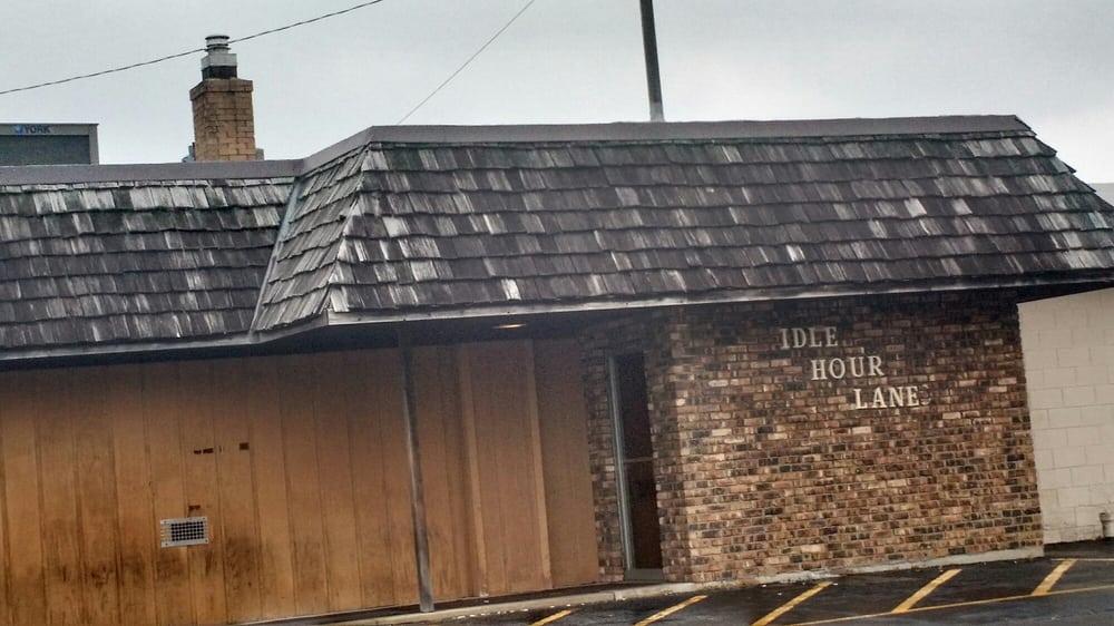 Idle Hour Lane: 927 E Railroad St, Sandwich, IL