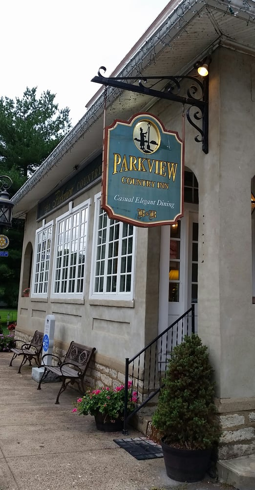 Parkview Country Inn: 103 W 2nd St, Augusta, KY