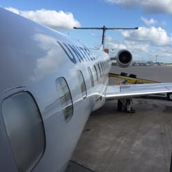 United Airlines Airlines Fleur Dr Reviews Des Moines - My flight to des moines