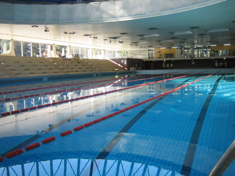 Piscine municipale de saint germain en laye swimming for Piscine yvelines