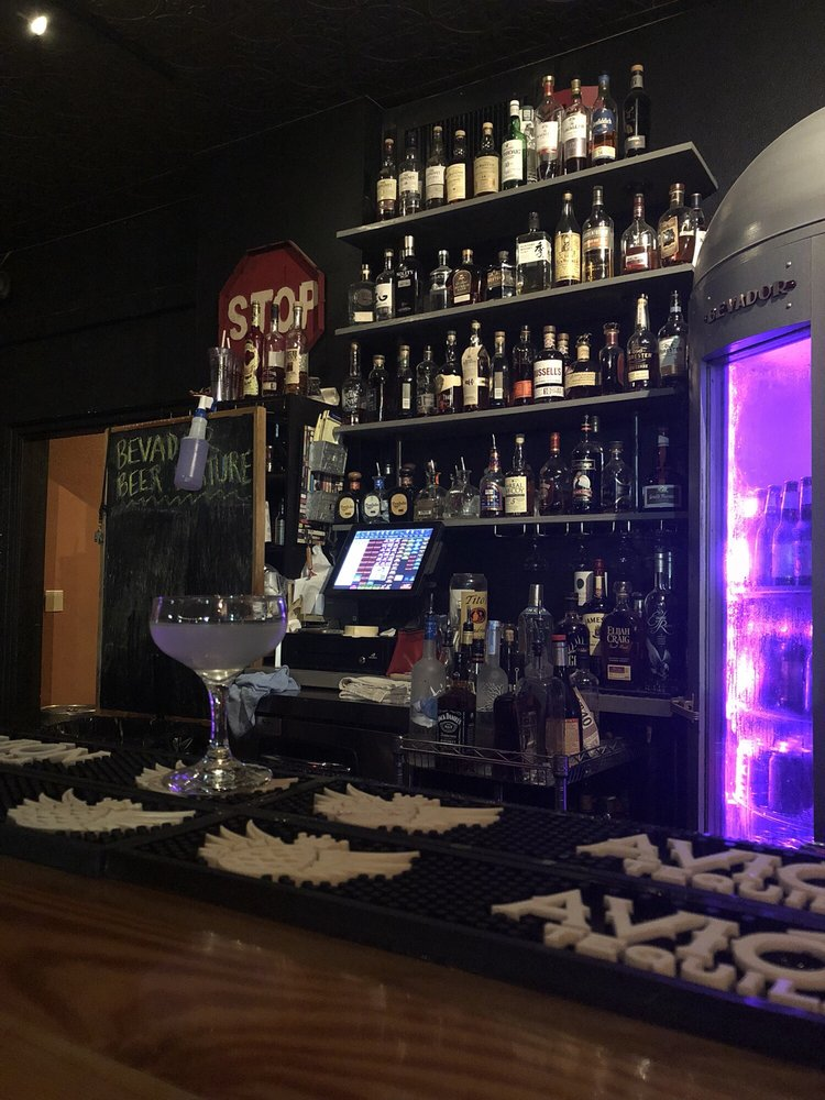 The Bevador Room: 214 Miracle Strip Pkwy SE, Fort Walton Beach, FL