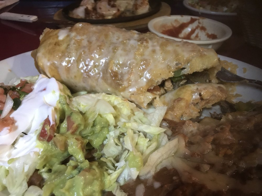 Checo's Mexican Restaurant: 601 State Route B, St James, MO