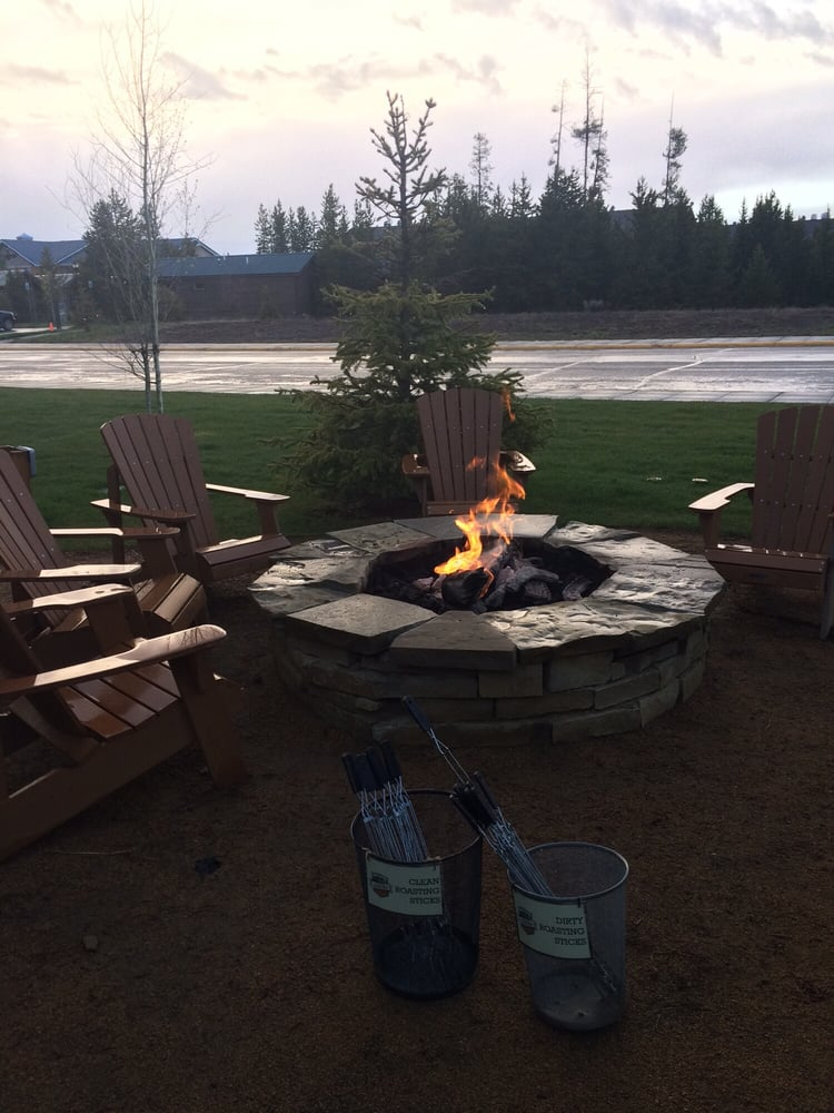 Fire pit for marshmallows complimentary yelp for Cabina explorer west yellowstone