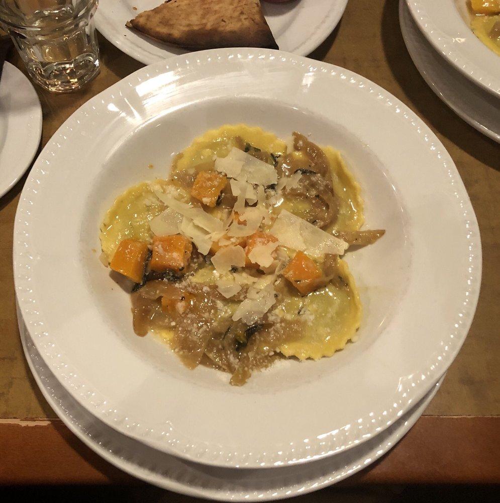 Vanwinkles Restaurant: 62 Liftside Dr, Hunter, NY