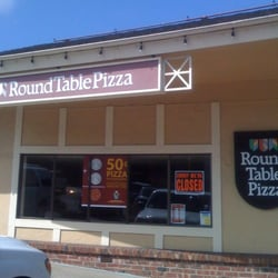 Round Table Pizza - Pacific Grove logo