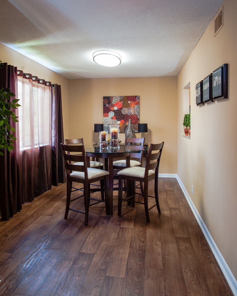 Photos For The Henley Apartments