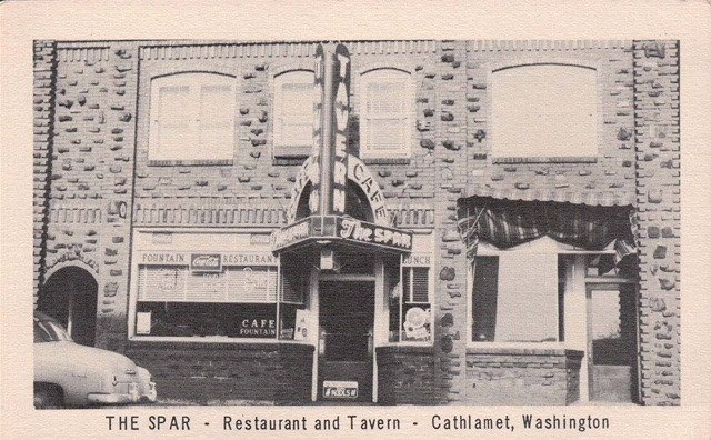 The Spar Restaurant & Bar: 83 Main St, Cathlamet, WA