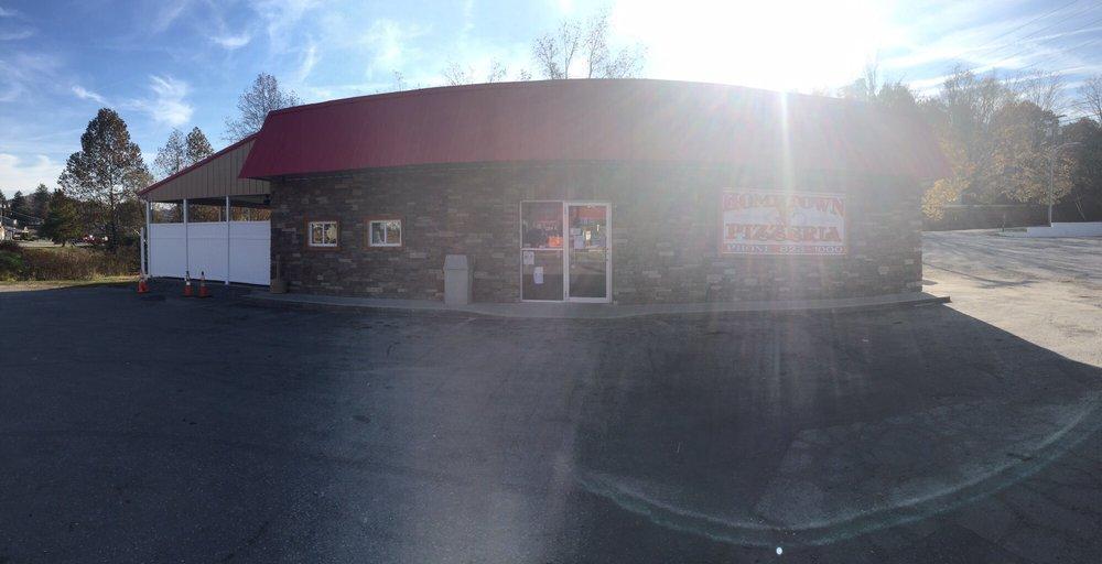 Photo of Hometown Pizzeria: Belington, WV