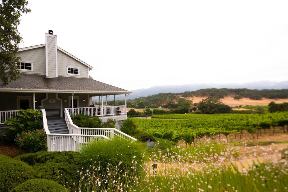 Arrowood Vineyard & Winery: 14347 Sonoma Hwy, Glen Ellen, CA