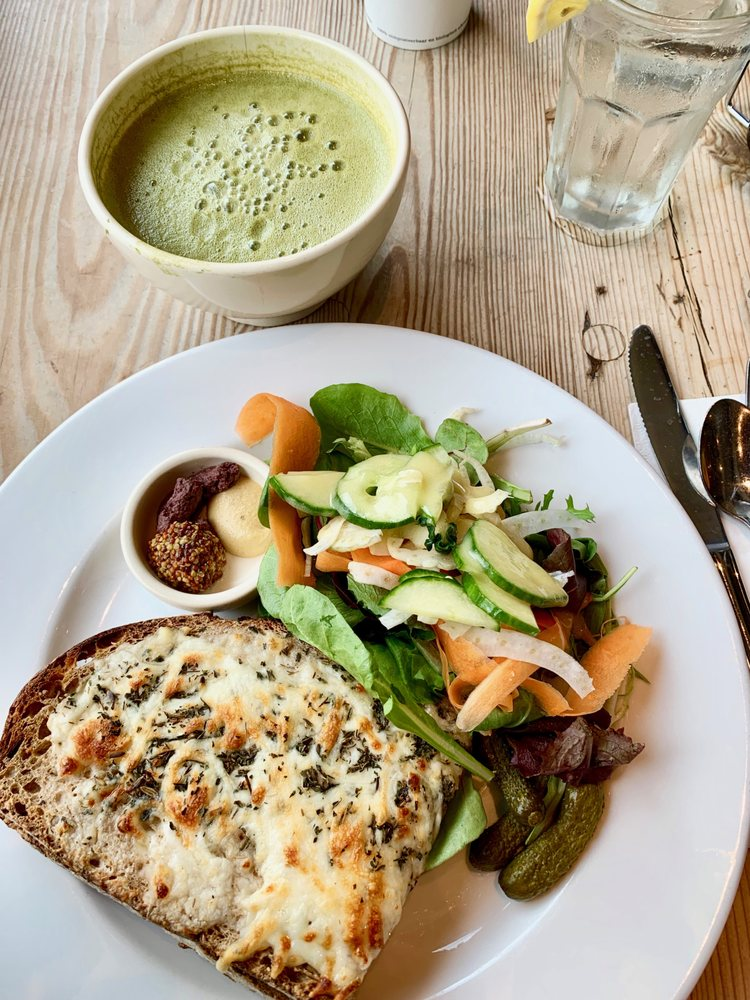 Social Spots from Le Pain Quotidien
