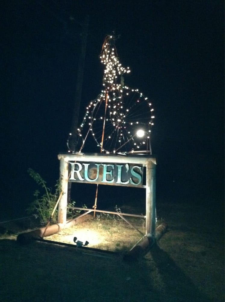 Ruel'S Place: 6111 Oak St, Anderson, CA