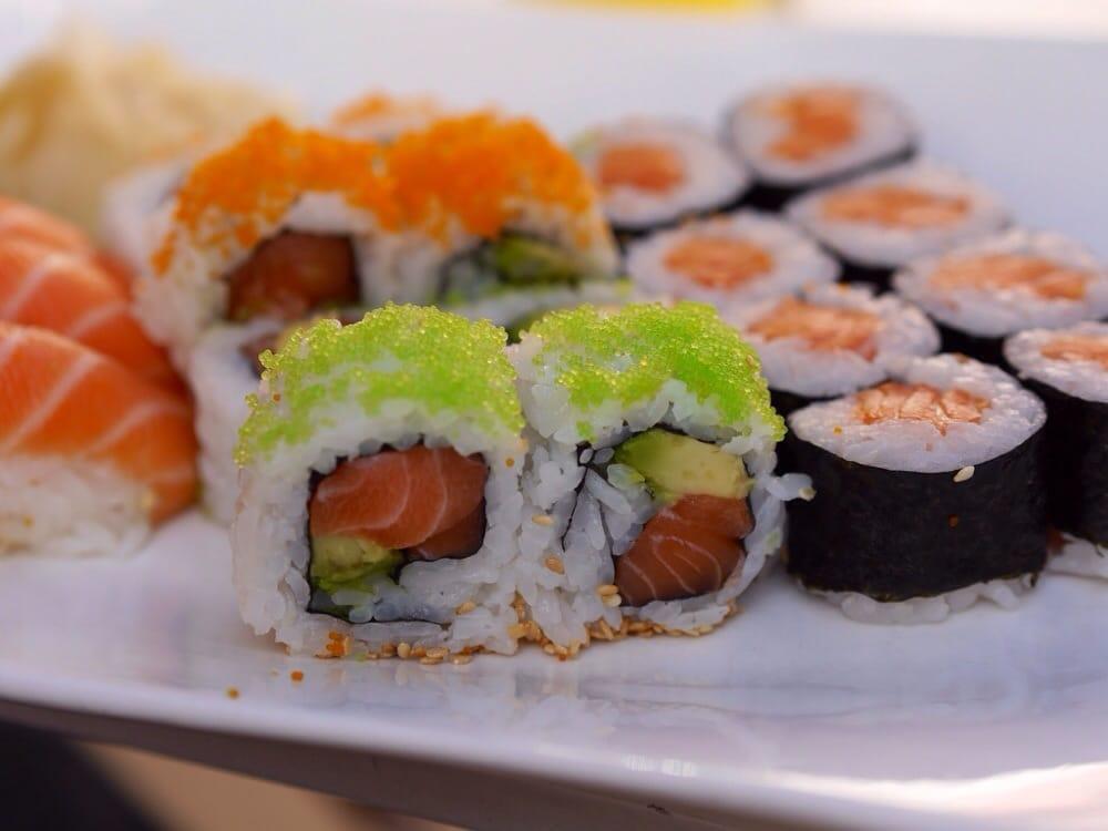 sakura sushi und thail ndische k che 13 fotos 27 beitr ge sushi fleischhauerstr 35 37. Black Bedroom Furniture Sets. Home Design Ideas