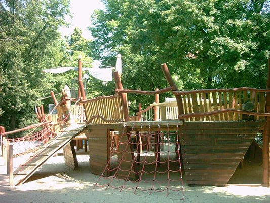 spielplatz piratenschiff playgrounds tegeler weg 97 charlottenburg berlin germany yelp. Black Bedroom Furniture Sets. Home Design Ideas