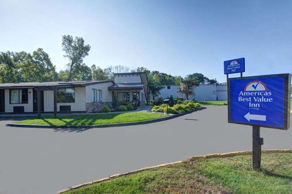 Americas Best Value Inn Heath Newark: 1266 Hebron Rd, Heath, OH
