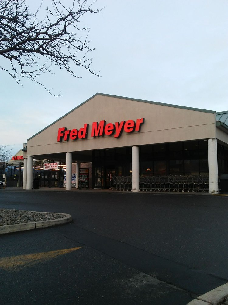 Fred Meyer: 1215 W 6th St, The Dalles, OR