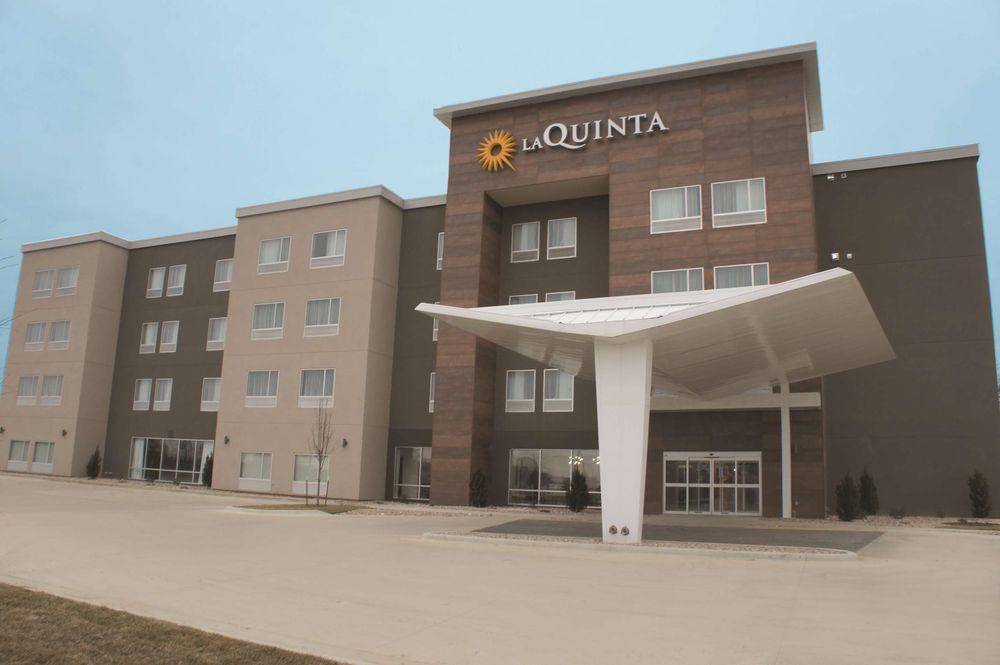 La Quinta by Wyndham Pittsburg: 2410 S Broadway St., Pittsburg, KS