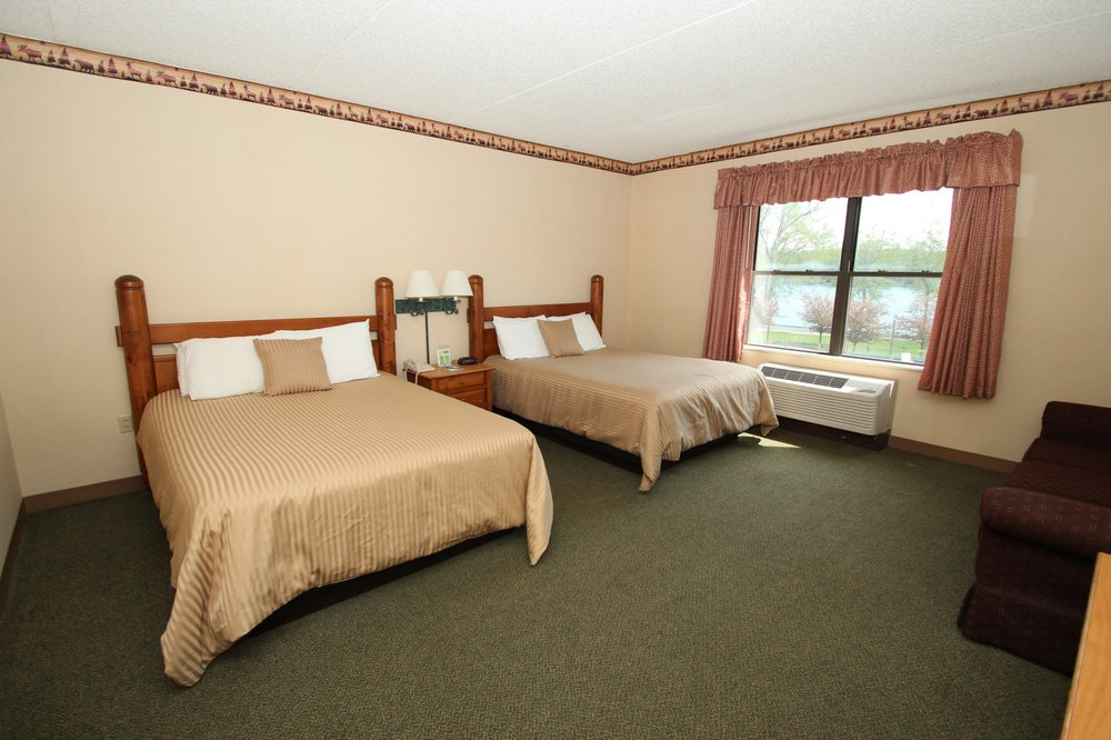 Lodge on the Lake Hotel: 9993 Allegheny Rd, Corfu, NY