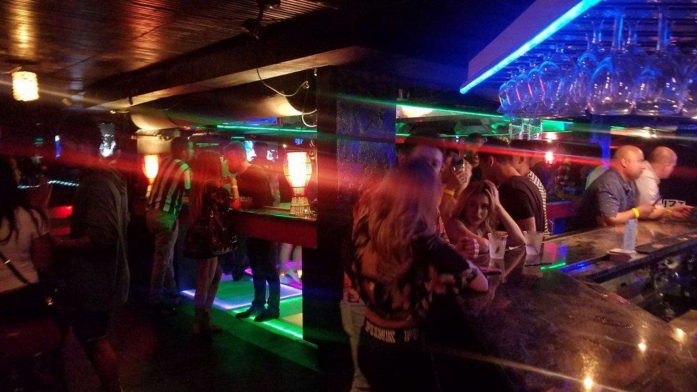 Playbar Waikiki NightClub