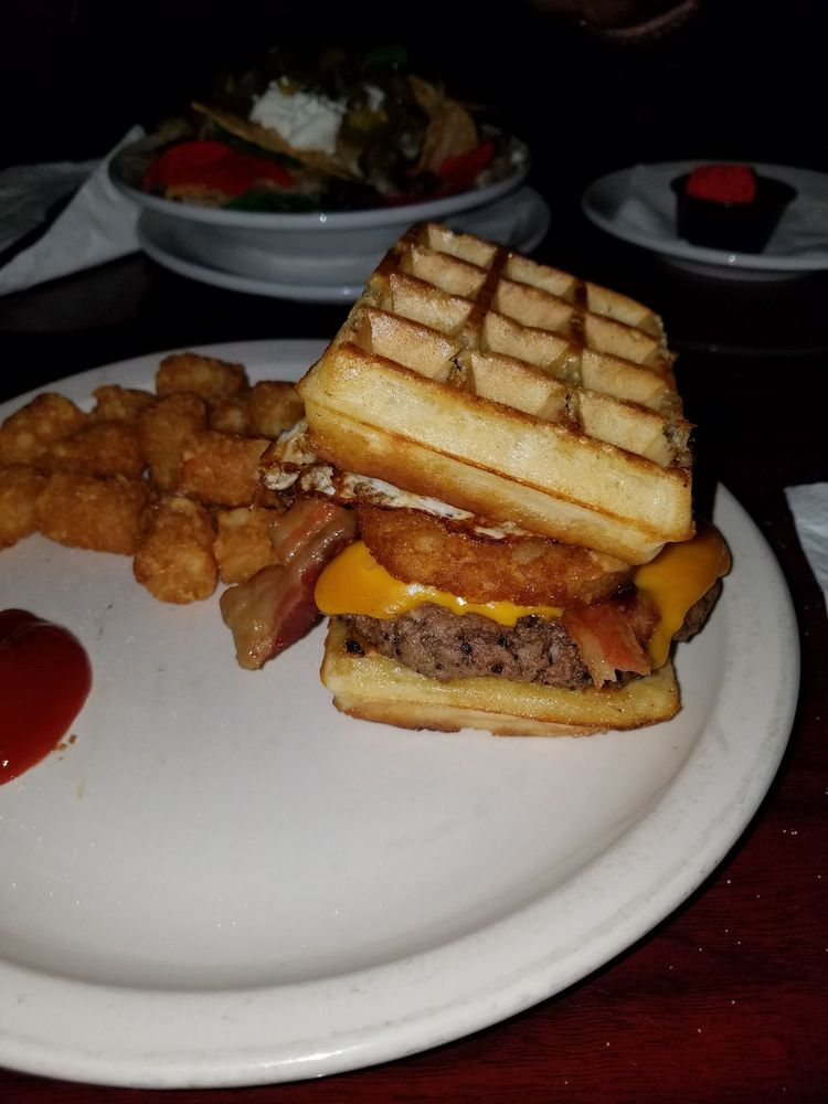 Guston's Grille: 3330 Cobb Pkwy, Acworth, GA