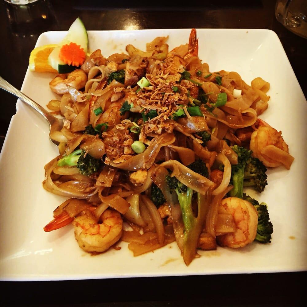 Thai Garden Restaurant & Lounge - 49 Photos & 142 Reviews - Thai ...