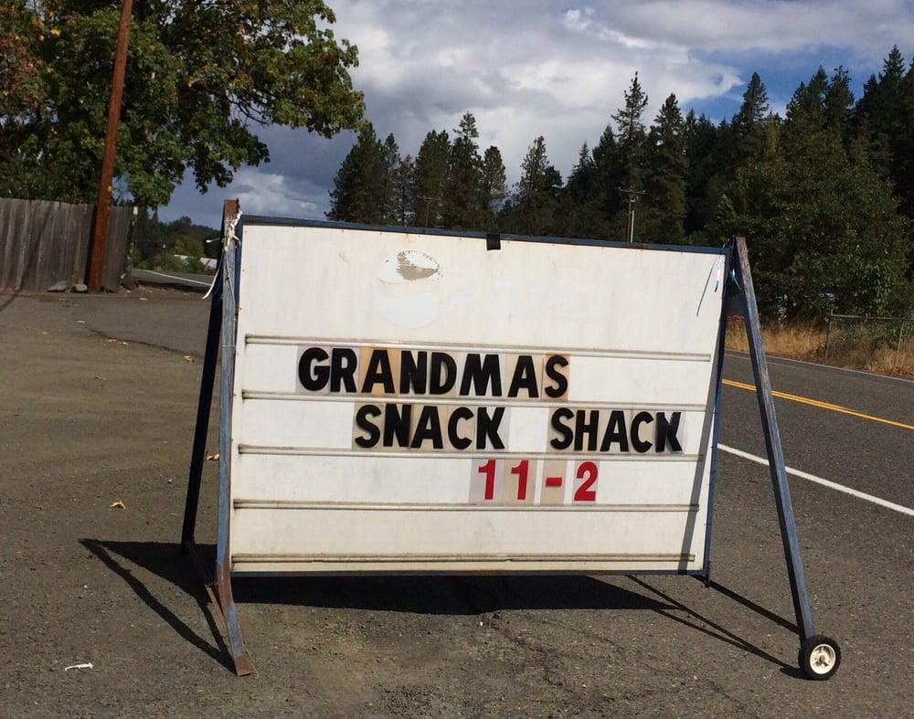 Grandmas Snack Shack: 8274 Old Hwy 99, Roseburg, OR