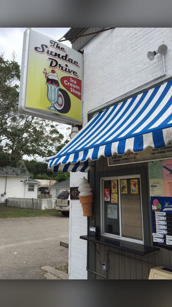 The Sundae Drive Ice Cream Shop: 215 E State St, Belding, MI