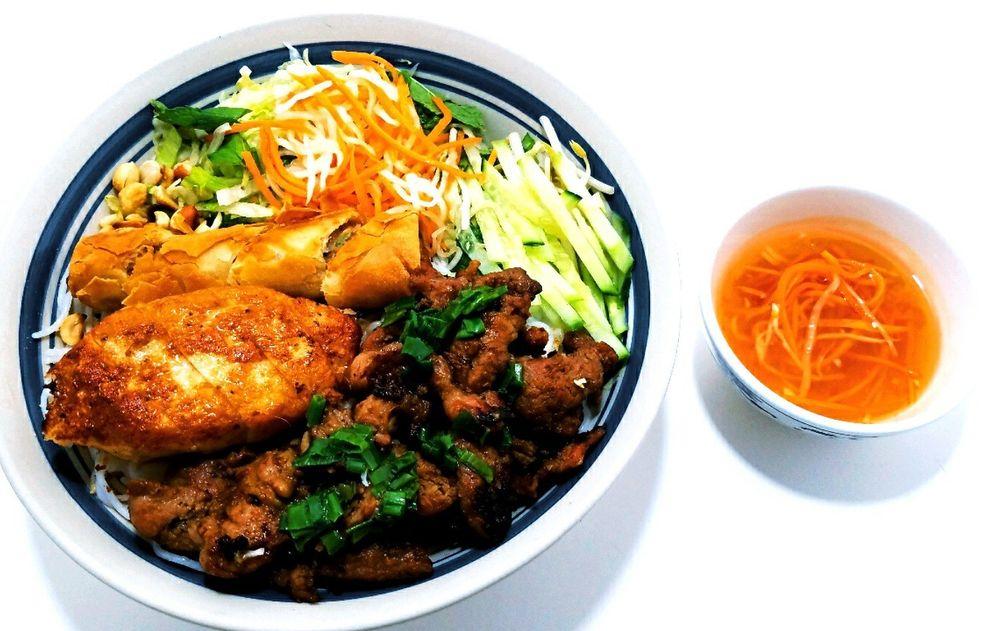 Asian Kitchen: 6412A Calumet Ave, Hammond, IN