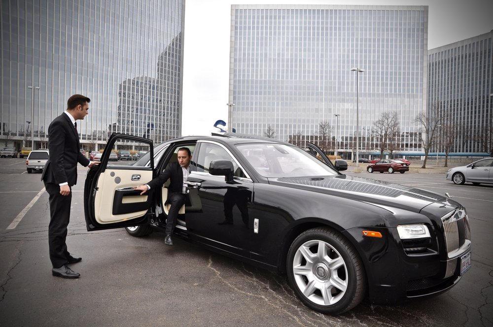 Globax Limousine: 2255 W Melrose, Chicago, IL