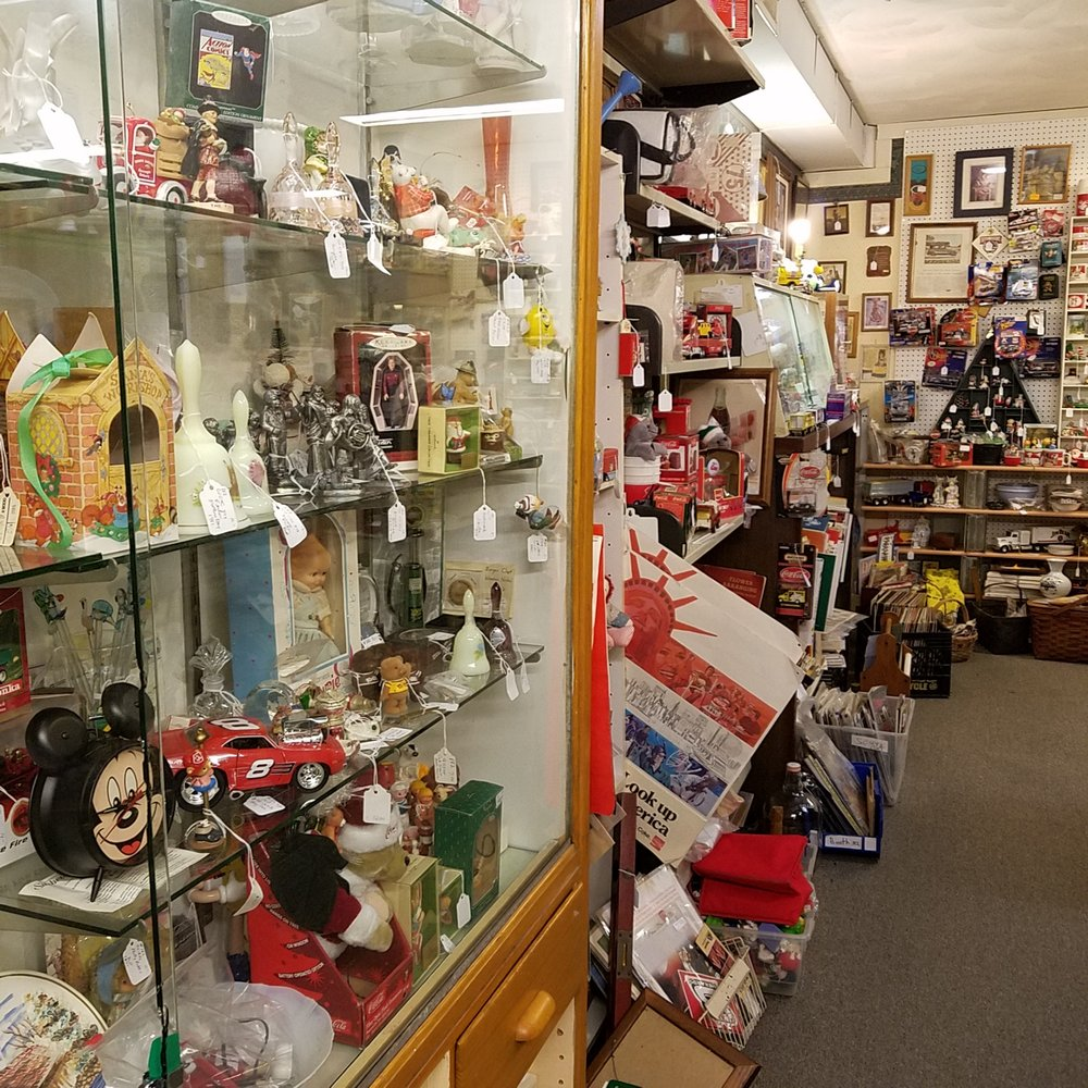 Southport Antique Mall: 2028 E Southport Rd, Indianapolis, IN