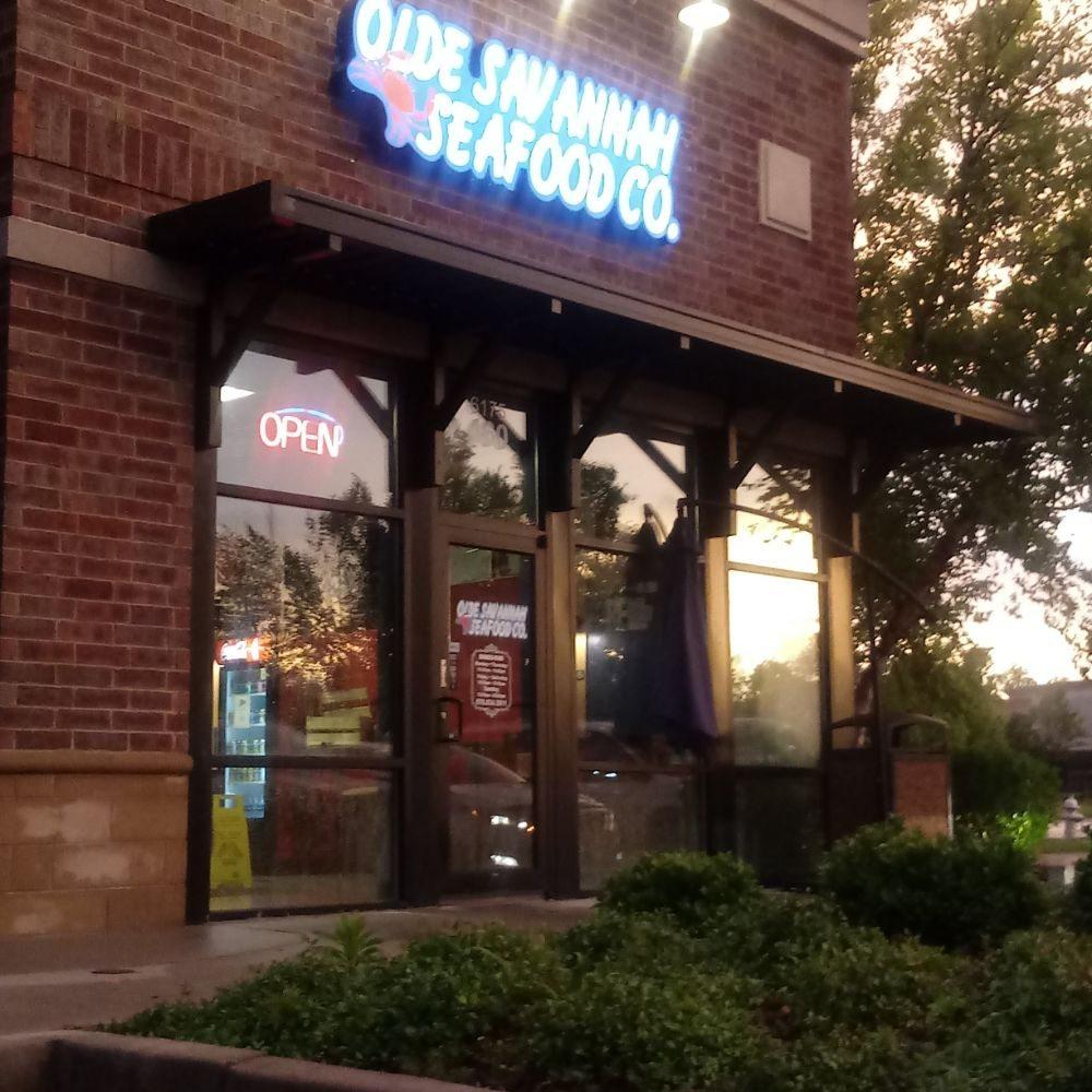 Olde Savannah Seafood: 6175 Old National Hwy, Atlanta, GA